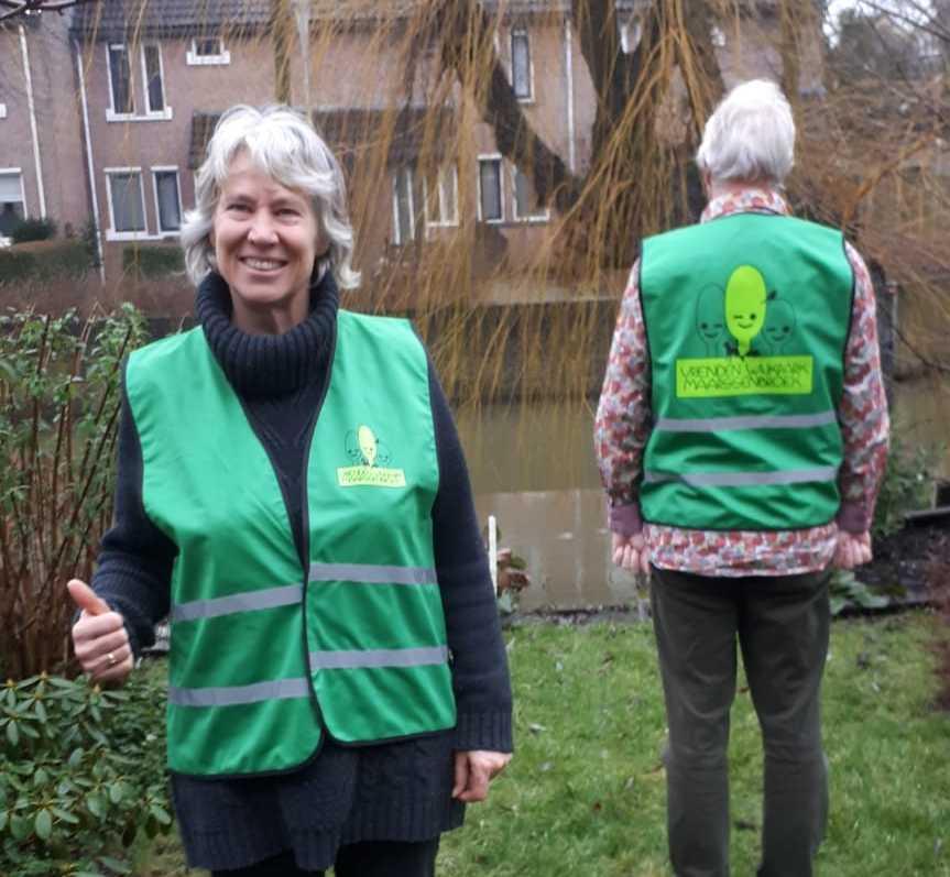 Nieuwe hesjes vrijwilligers Vrienden van het Wijkpark Maarssenbroek
